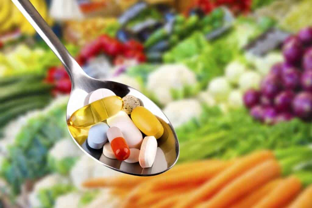Schlagzeilen als Stimmungsmache gegen Vitamine | © ronstik @ Fotolia.com
