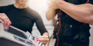 Elektronische Muskelstimulation EMS, fotolia #135586854